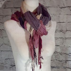 Accessories - Scarf in shades of purple and creams